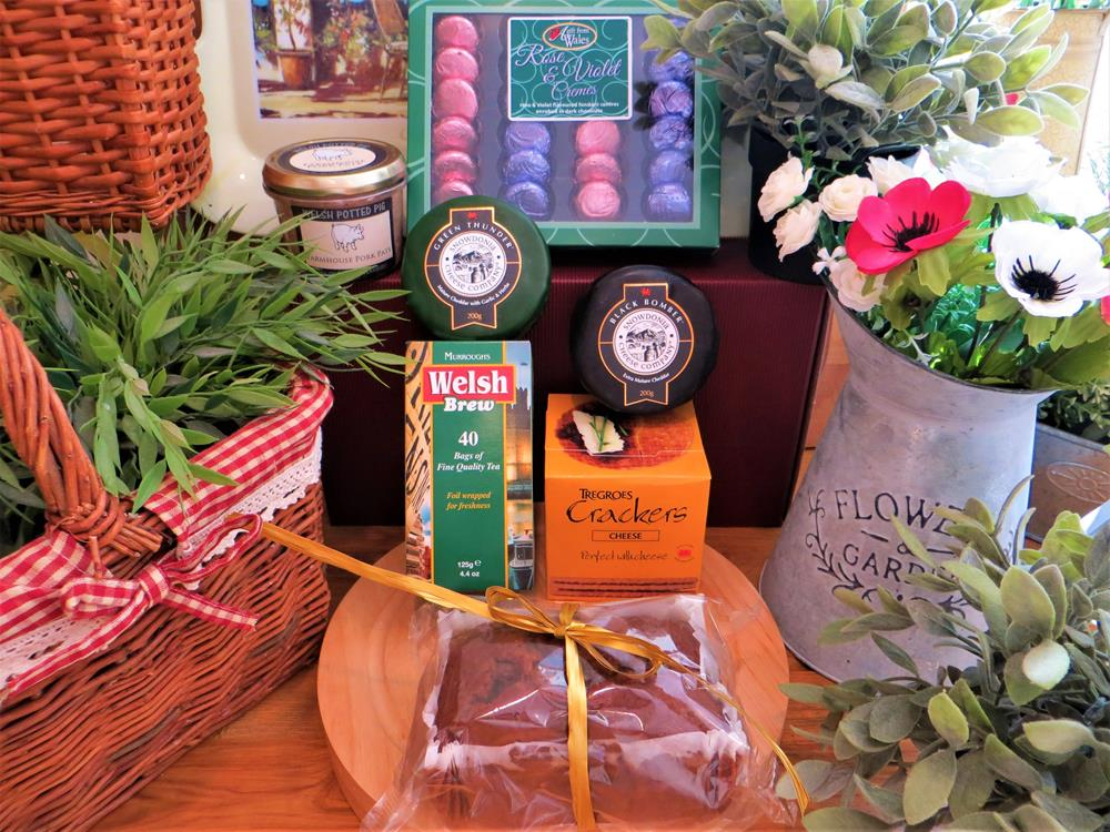 Chocolates & Welsh Selection Hamper